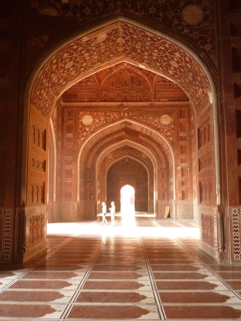 Agra birthday and eternal love off to see the world for Interior taj mahal